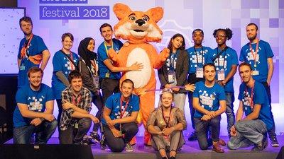 mozfest-volunteers-and-foxy